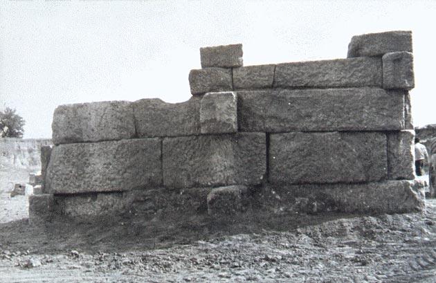Οι Μακεδονικοί τάφοι - Μέρος Β' - Καταγωγή και μορφολογική εξέλιξη των μακεδονικών τάφων