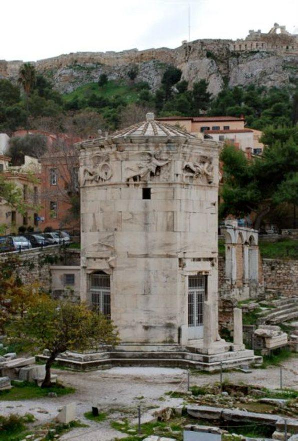 ωμαϊκή Αγορά Αθηνών - Ωρολόγιον Ανδρονίκου Κυρρήστου, άποψη από Βορρά.