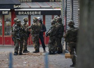 Two terrorists have reportedly been killed this morning, operation ongoing in #SaintDenis (2)