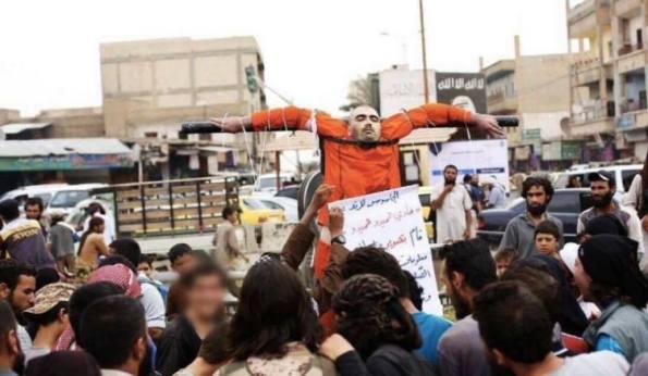 Τελετουργικές εκτελέσεις από την ISIS στη Ράκα3
