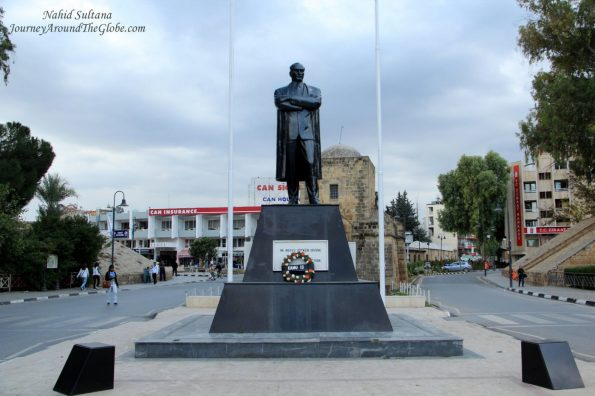 katehomena-ataturk-statue