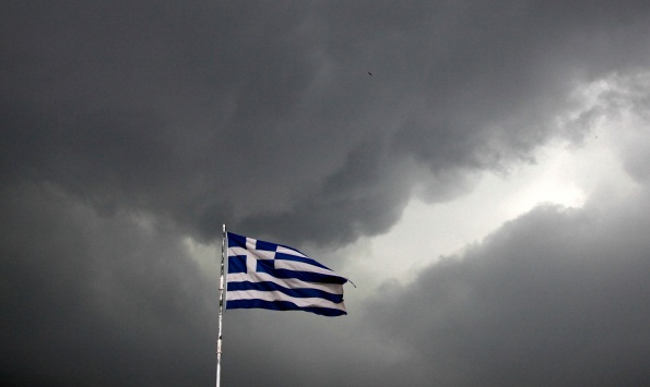 greek_flag_dark_sky