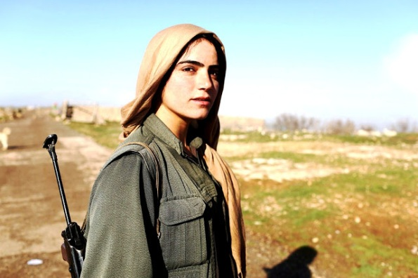 kurdish_female_fighter